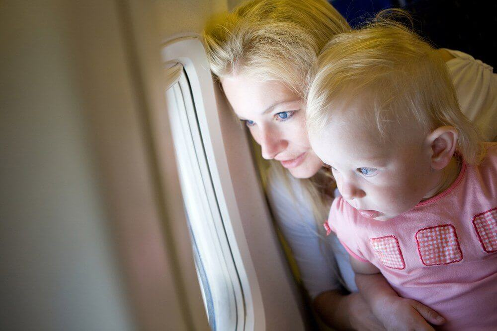 entertain kids on flight to kauai